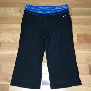 Nike Yoga Workout Capri Pants Black Medium